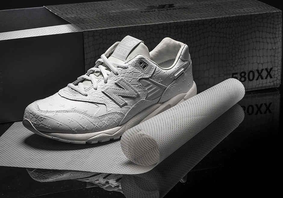 New-Balance-MRT580XX-All-White-Special-Edition-2