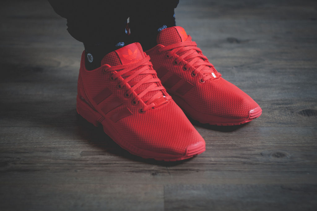 54a55bfe4 adidas-Originals-ZX-FLUX-All-Red-Review-2 - SNKRVN