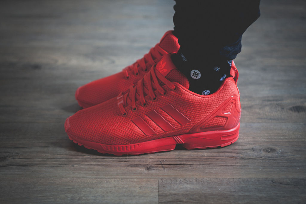 5bb422eab adidas-Originals-ZX-FLUX-All-Red-Review-5 - SNKRVN