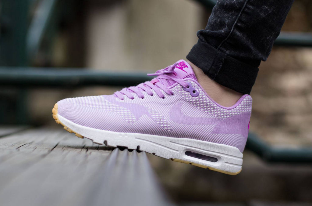 Sorry-This-Nike-Air-Max-1-Is-a-Womens-Exclusive-2