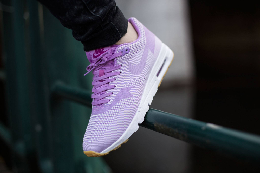 Sorry-This-Nike-Air-Max-1-Is-a-Womens-Exclusive-3