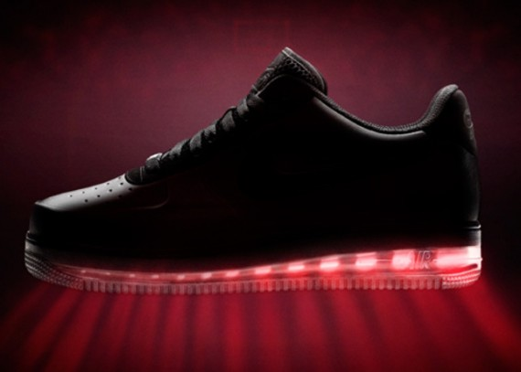 nike-air-force-1-low-black-friday-2012-teaser-570x407
