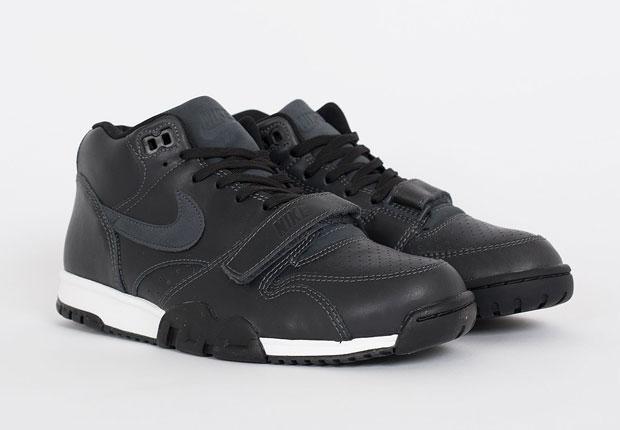 nike-air-trainer-1-mid-anthracite-black-leather-0