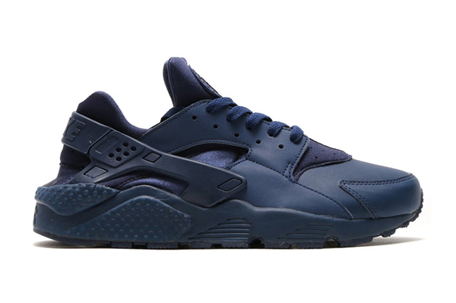 NIKE-AIR-HUARACHE-INDEPENDENCE-DAY-PACK