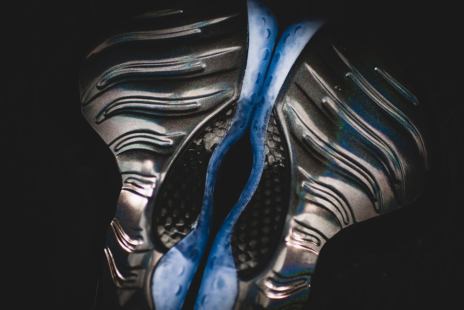 nike-air-foamposite-one-hologram-release-reminder-05
