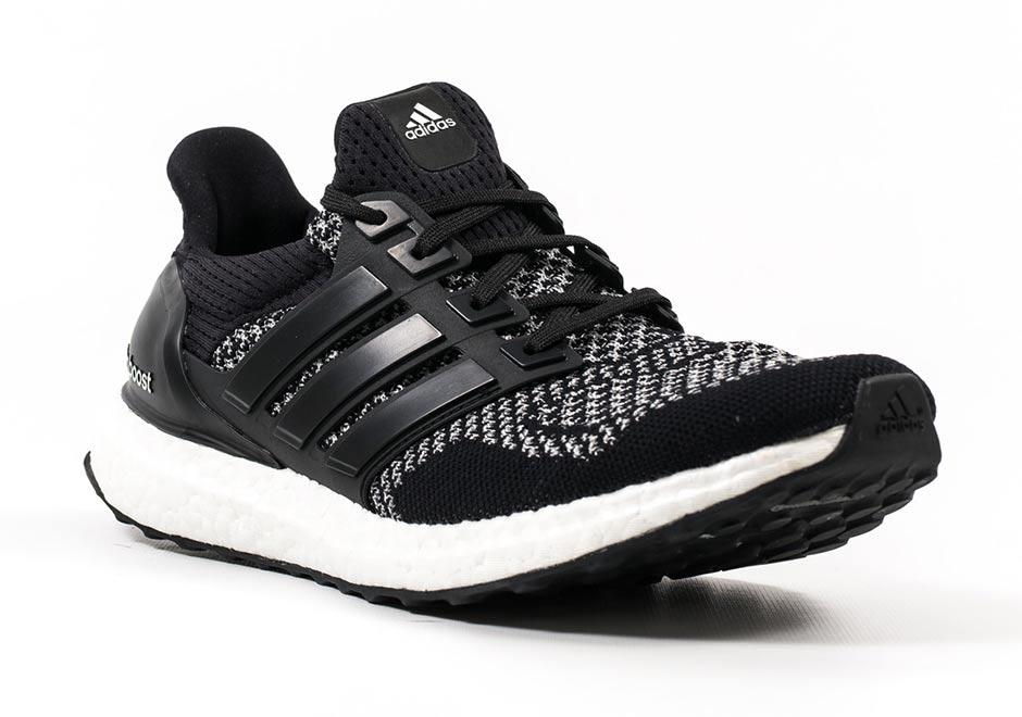 adidas-ultra-boost-reflective-qs-black-2