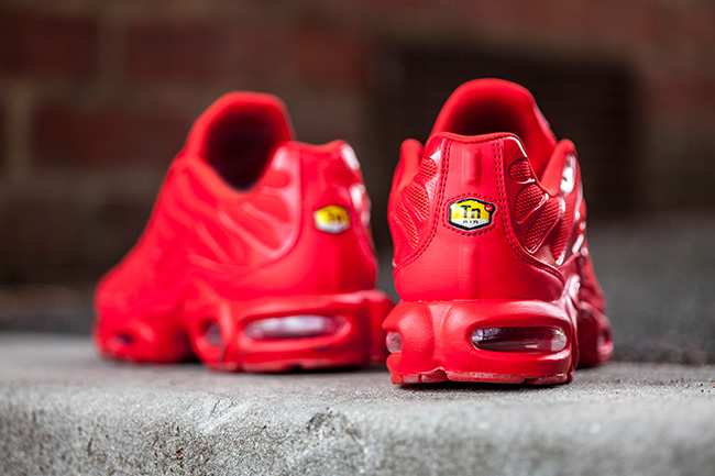 lava-red-nike-air-max-plus-tuned-1-2