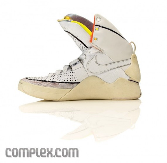 online retailer 3ccaa a3098 nike-air-yeezy-making-of-8