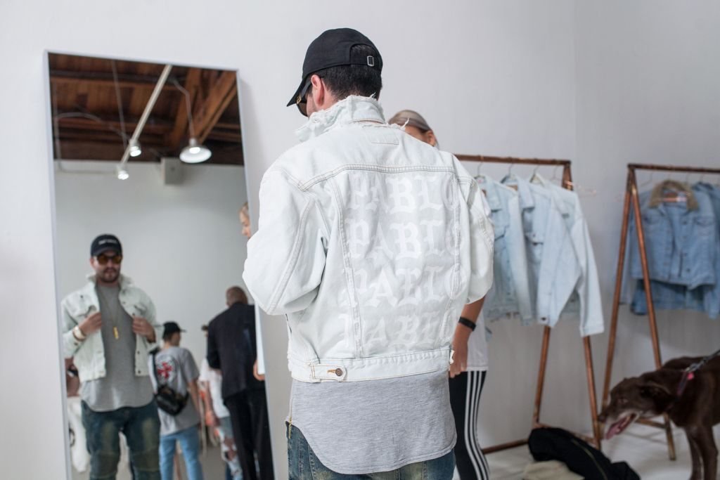 kanye-west-life-of-pablo-temporary-store-16