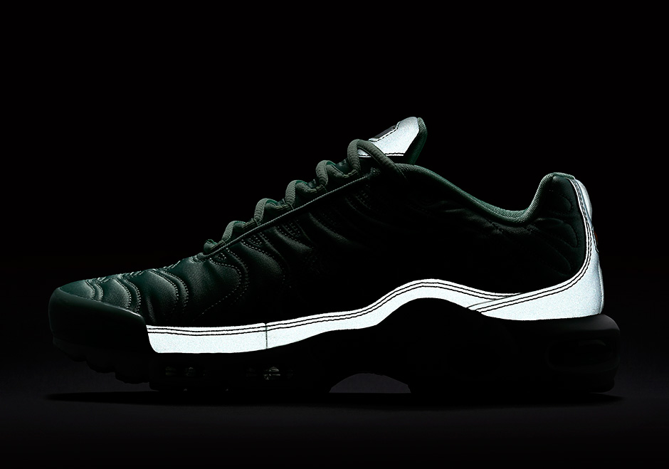 nike-air-max-plus-summer-satin-pack-08