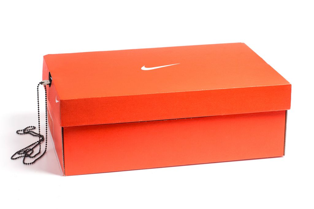 nike-shoebox-safe-02