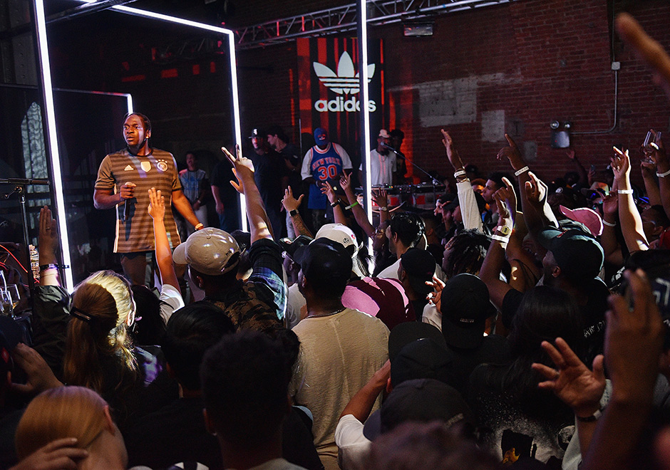 adidas-nmd-xr1-the-last-encore-event-4