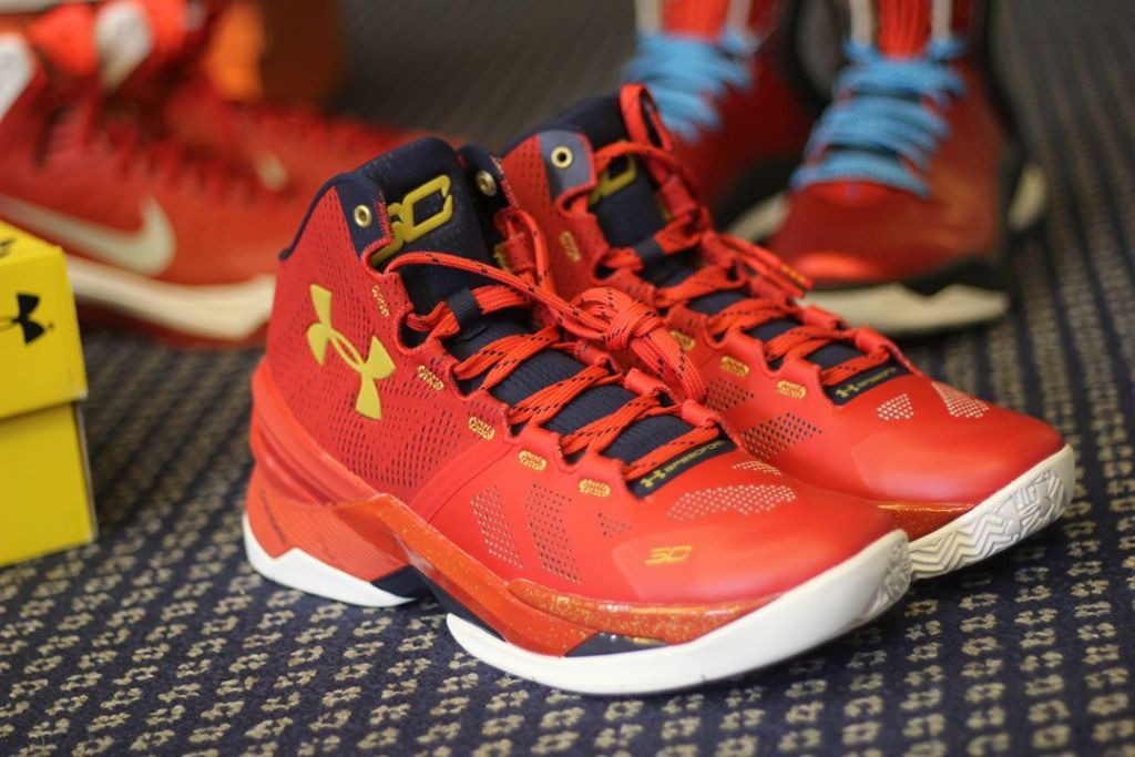 snkrvn-curry-two-1