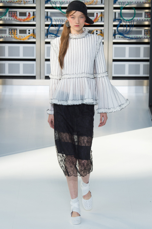 chanel-2017-spring-summer-collection-17