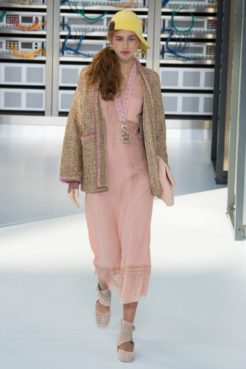 chanel-2017-spring-summer-collection-21