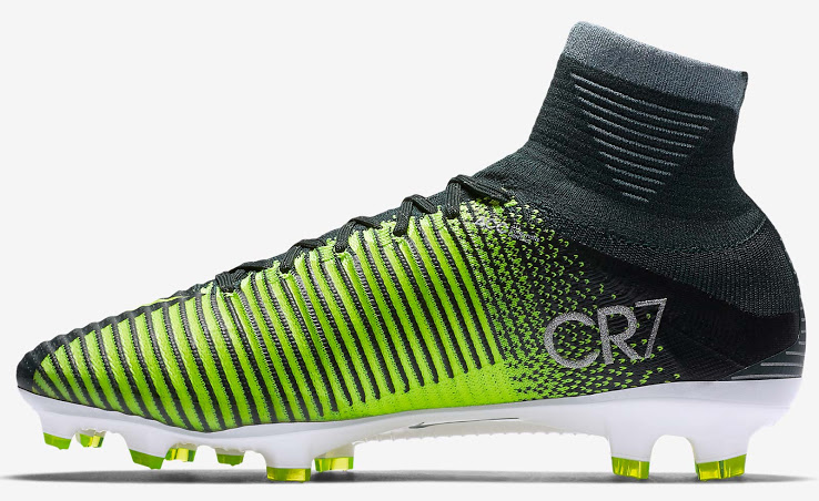 nike-mercurial-superfly-v-cristiano-ronaldo-chapter-3-discovery-boots-3
