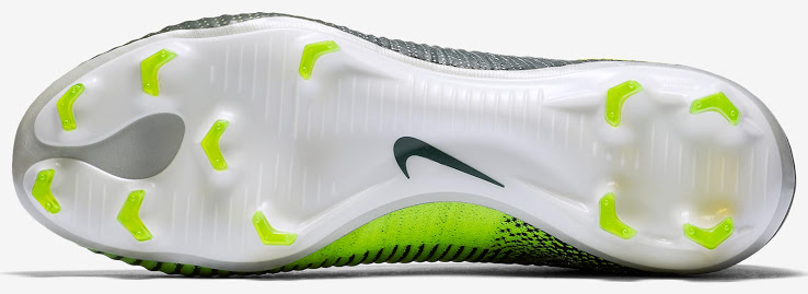 nike-mercurial-superfly-v-cristiano-ronaldo-chapter-3-discovery-boots-5