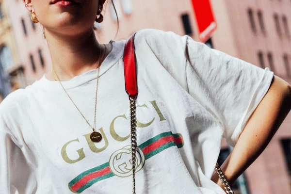 Gucci T Shirt Big logo