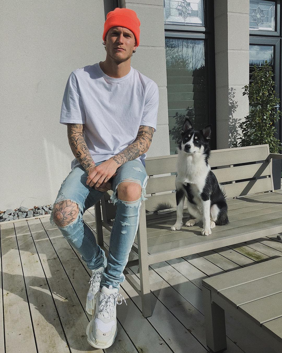 Karius Outfit & Style