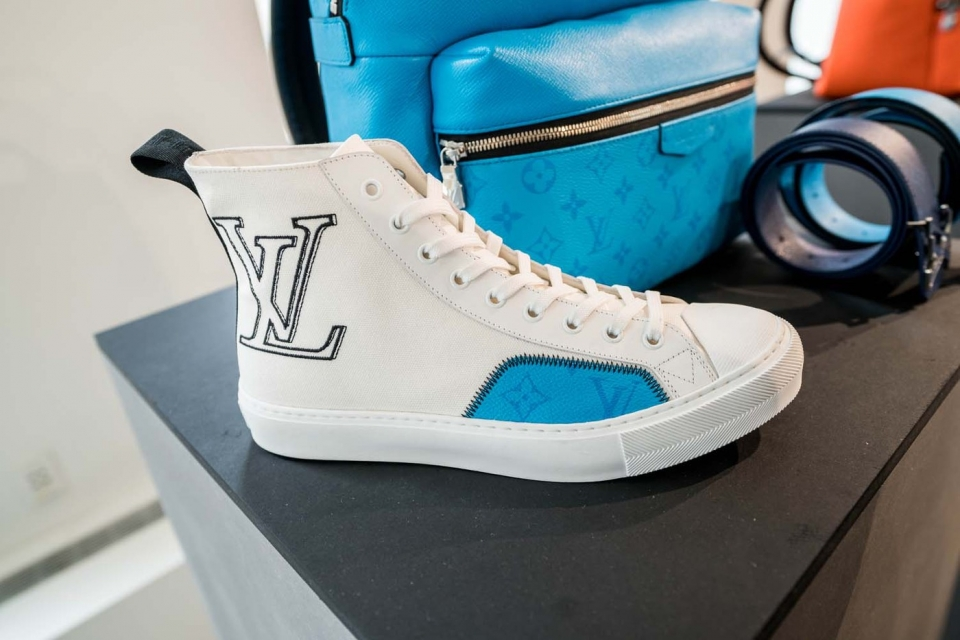 https---hypebeast.com-image-2019-11-louis-vuitton-spring-summer-2020-preview-ny-11